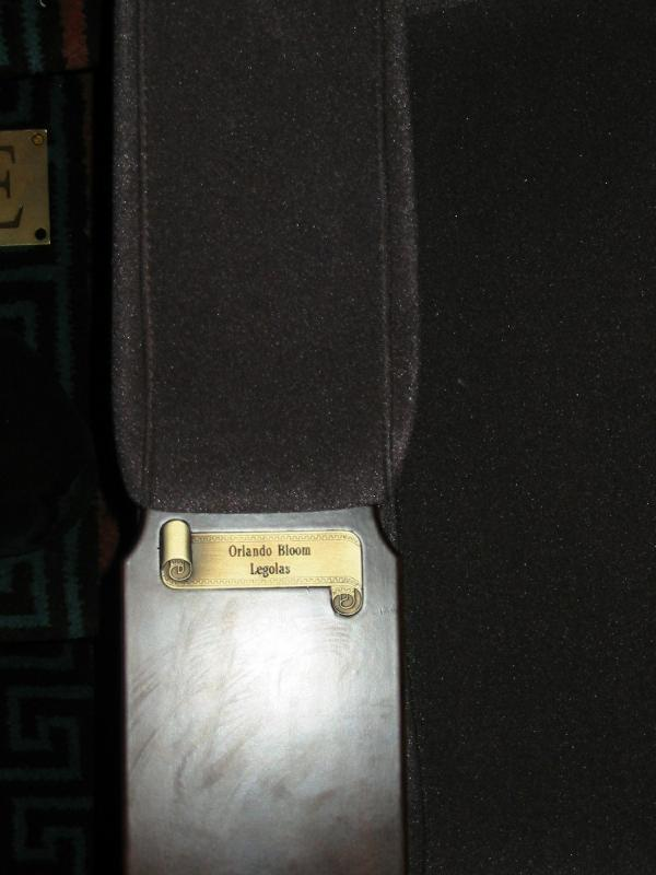 Orlando Bloom's Embassy Seat - 600x800, 43kB
