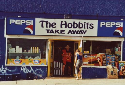 Oz Fastfood: The Hobbits Take Away - 515x352, 33kB