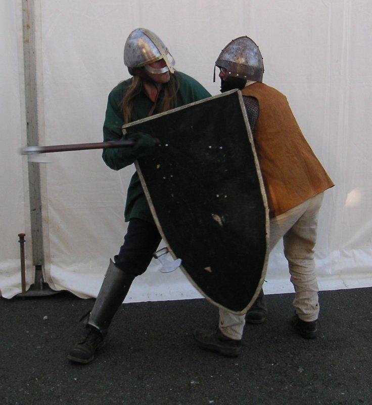 Stunt Knights Do Battle - 736x800, 76kB