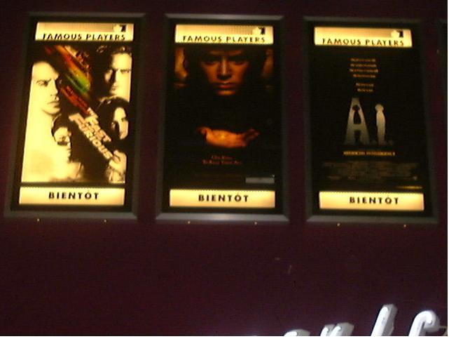 Xoanon's local cinema promotes LOTR - 641x483, 33kB