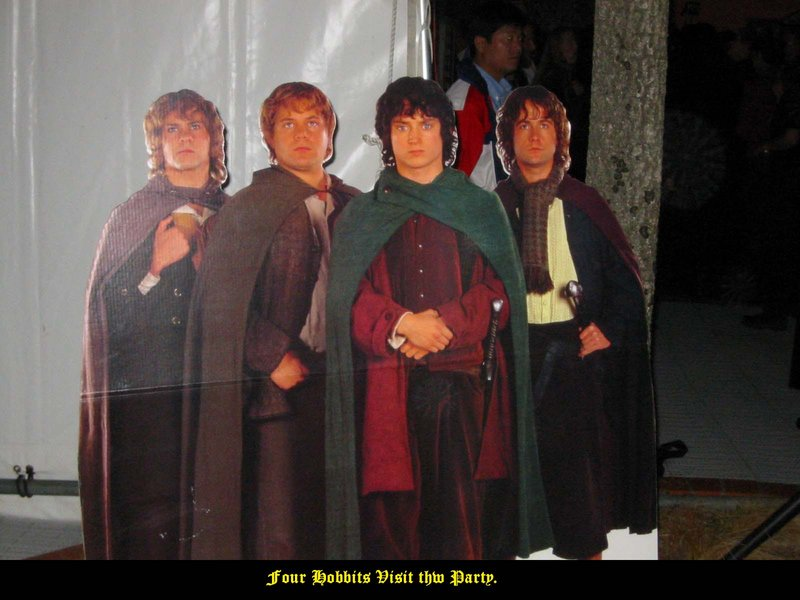 Four Little Hobbits, all in a row - 800x600, 73kB