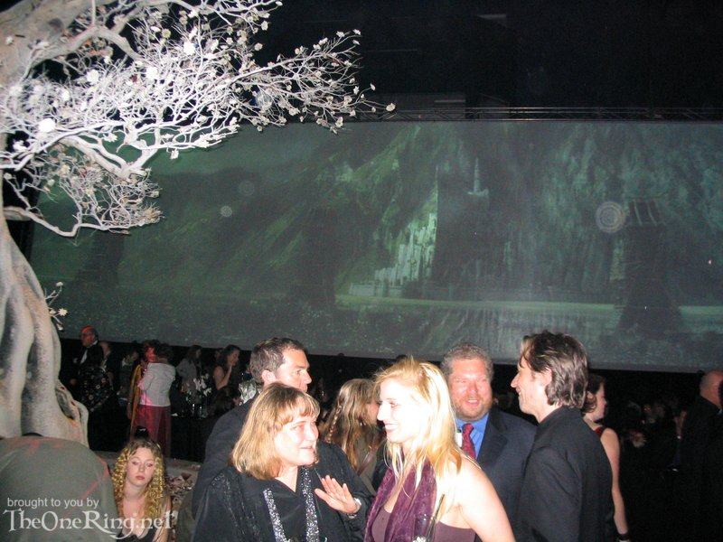 Minas Tirith Backdrop - 800x600, 114kB