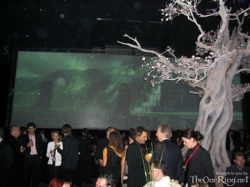 Minas Tirith Backdrop - 800x600, 96kB