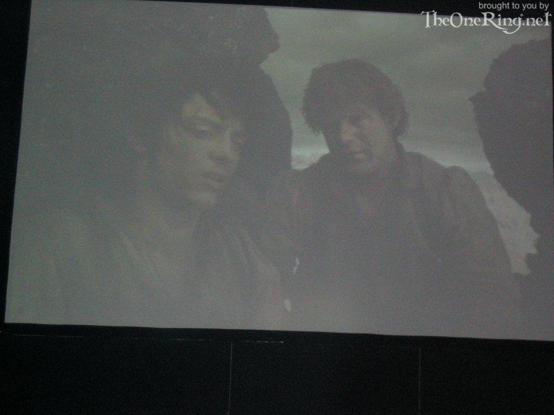 Frodo And Sam In Mordor - 800x600, 50kB
