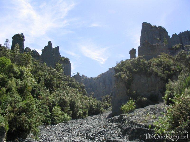Putangirua Pinnacles From Streambed - 800x600, 116kB