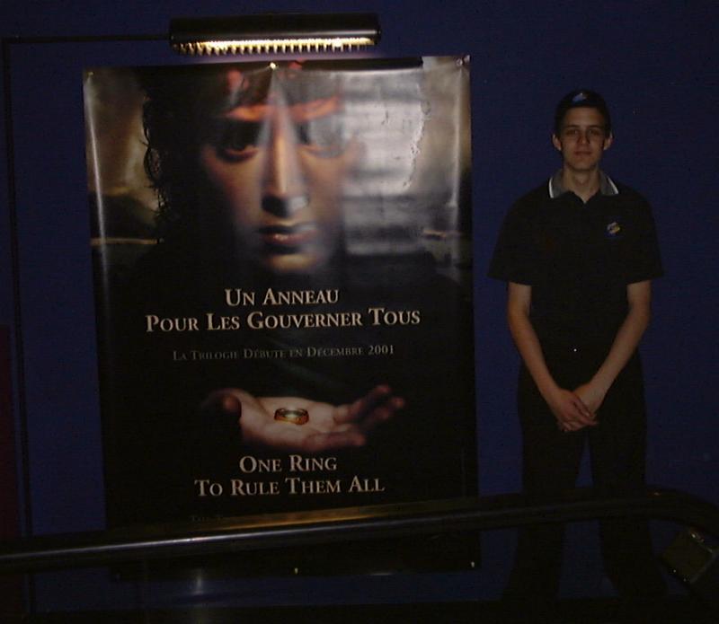 LOTR Banner at Xoanon's local Cinema - 800x695, 40kB