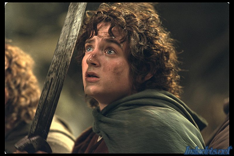 Frodo scared of the Nazgul - 800x533, 80kB