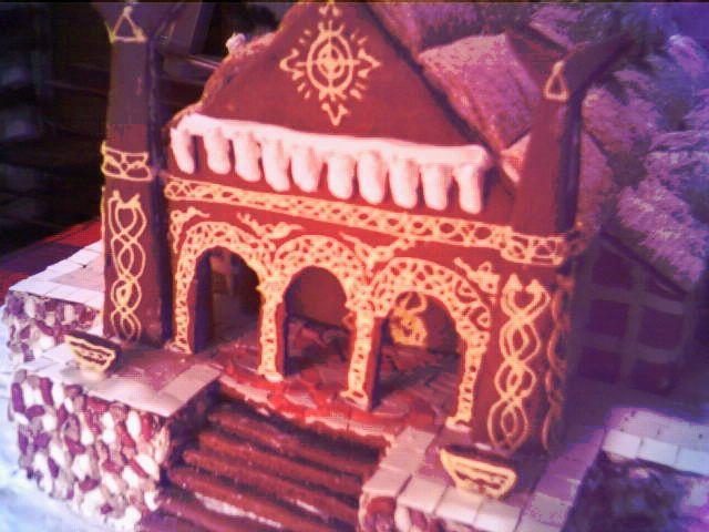 Meduseld, The Gingerbread Hall - 640x480, 55kB