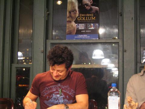 Andy Serkis Book Tour: New York City - 480x360, 26kB