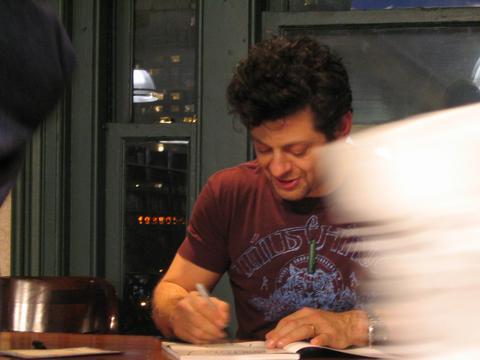 Andy Serkis Book Tour: New York City - 480x360, 20kB