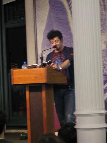 Andy Serkis Book Tour: New York City - 360x480, 19kB
