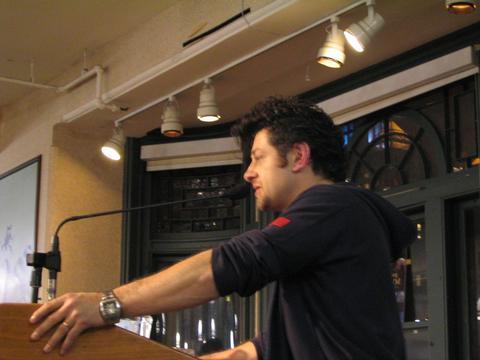 Andy Serkis Book Tour: New York City - 480x360, 22kB