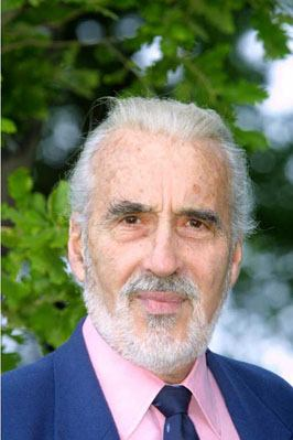 Cannes 2001 - Christopher Lee - 266x399, 19kB