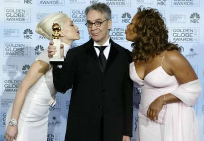 More Golden Globe2 2004 Images - 410x284, 23kB