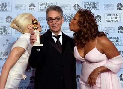 More Golden Globe 2004 Images - 410x296, 24kB