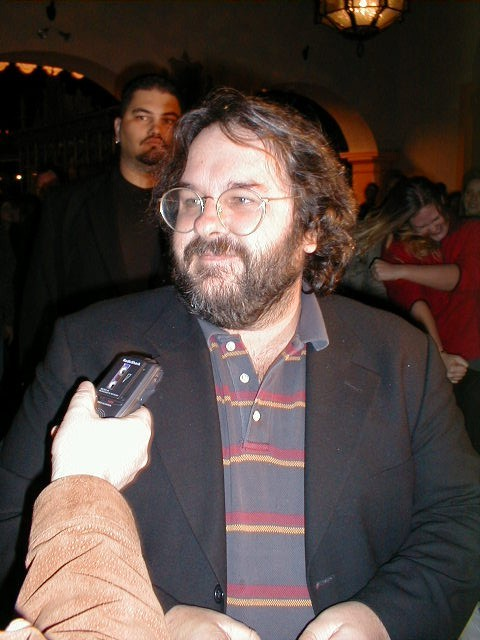 Peter Jackson on the red carpet - 480x640, 69kB