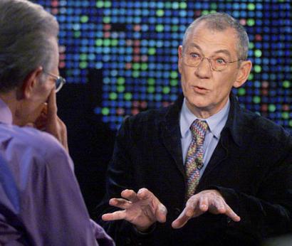 Larry King Talks ROTK - 410x346, 31kB