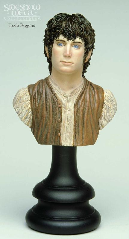 Frodo Baggins Bust - 431x800, 38kB