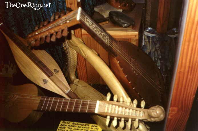 LoTR Musical Instruments - 694x458, 47kB