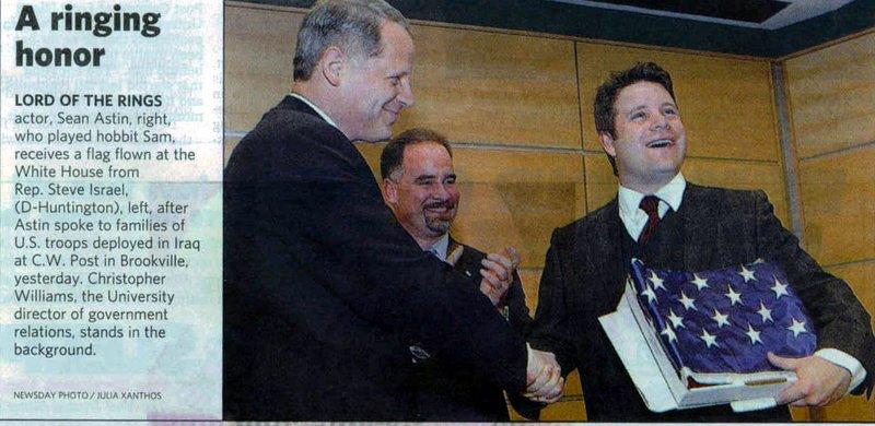 Sean Astin At C.W. Post College - 800x390, 78kB