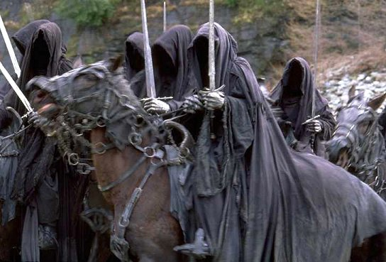 Nazgul At The Ford Of Bruinen - 544x369, 51kB