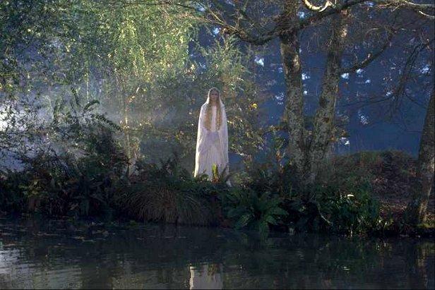 Galadriel Farewells The Fellowship - 616x411, 66kB