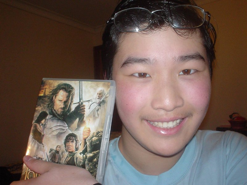 TORN Fans And Their ROTK DVD! Gallery III - 800x600, 75kB