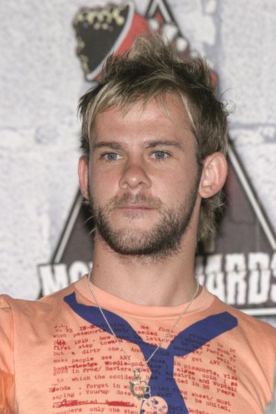 2004 MTV Movie Awards - 400x600, 51kB