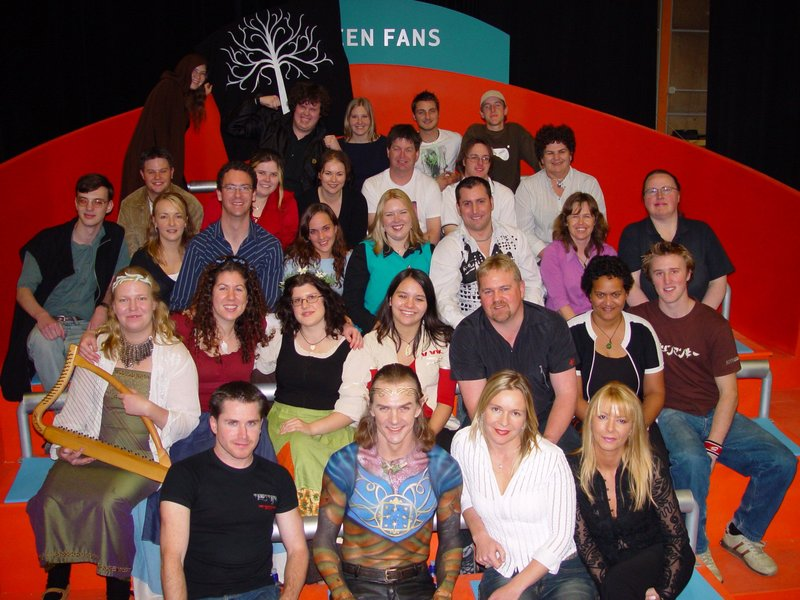 Tolkien fans win nationwide IQ test - 800x600, 108kB