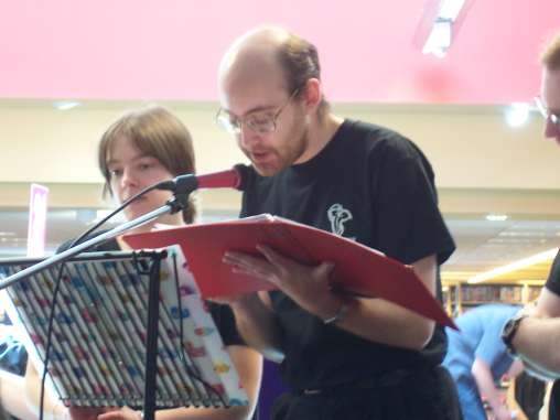 LOTR Charity Reading at Borders in Cambridge - 508x381, 18kB