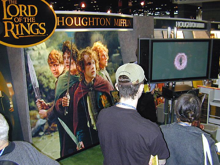 Houghton Mifflin Exhibit At Books Expo America - 720x540, 133kB