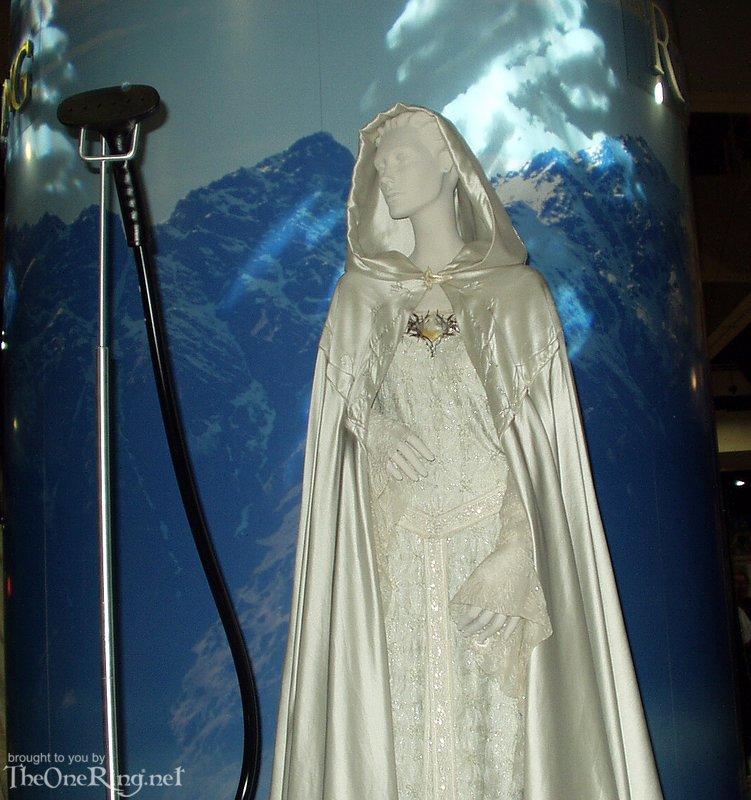 Galadriel Costume - Top View - 751x800, 110kB