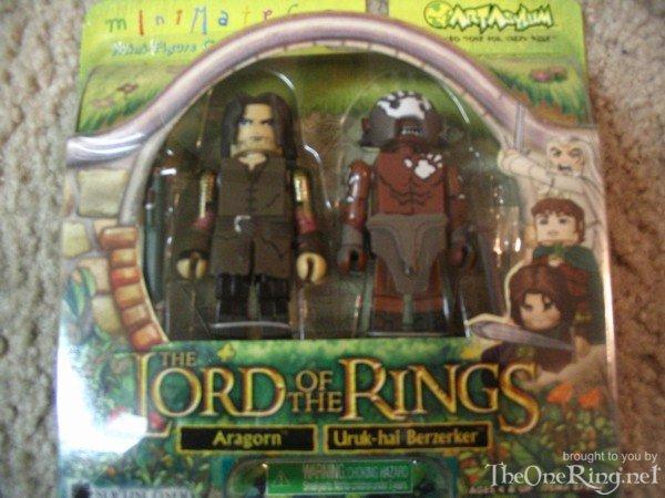 Aragorn and Uruk-hai Berserker Minimates - 600x450, 60kB