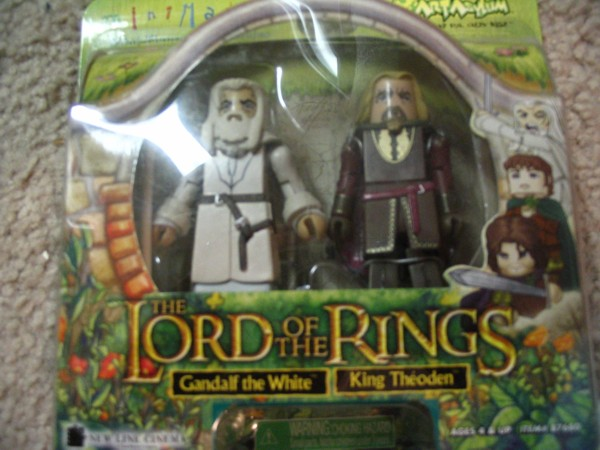 Gandalf and Theoden Minimates - 600x450, 67kB