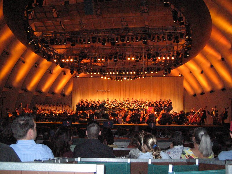 Hollywood Bowl LOTR Concert - 800x600, 137kB