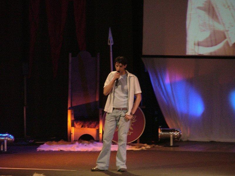 Sandro Kopp on stage - 800x600, 75kB