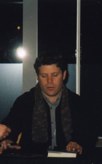 Sean Astin Booksigning: Westwood, CA - 350x558, 12kB