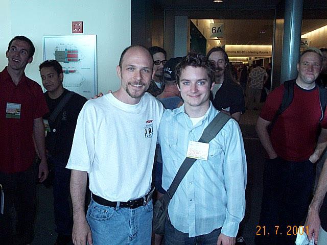 Elijah Wood at Comic-Con 2001 - 640x480, 78kB