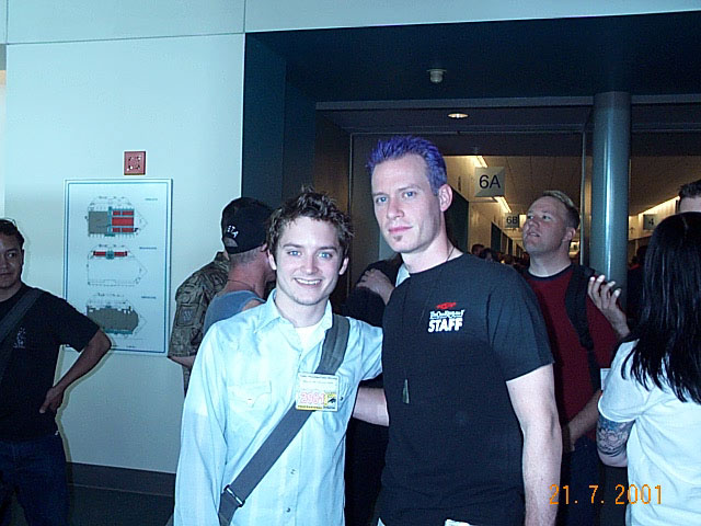 Elijah Wood and Quickbeam at Comic-Con 2001 - 640x480, 73kB