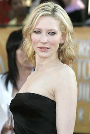 Screen Actors Guild Awards 2005 - 302x450, 13kB