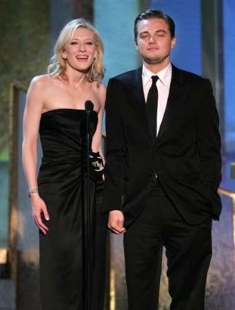 Screen Actors Guild Awards 2005 - 341x450, 14kB