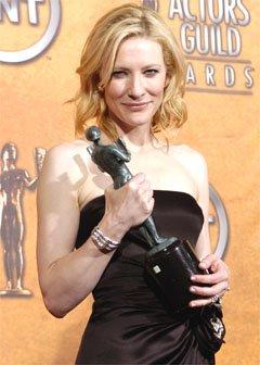 Screen Actors Guild Awards 2005 - 240x336, 19kB
