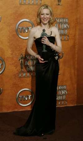 Screen Actors Guild Awards 2005 - 267x450, 12kB