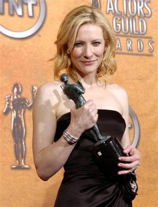 Screen Actors Guild Awards 2005 - 313x409, 21kB