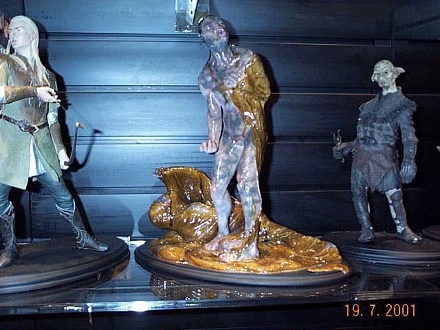 Uruk-hai Pod, Legolas, Orc Guard Statues from Sideshow Toy at Comic-Con - 640x480, 93kB