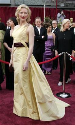 Oscars 2005 - 246x409, 20kB