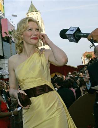 Oscars 2005 - 313x410, 20kB