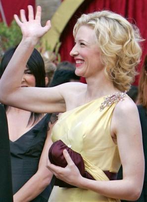 Oscars 2005 - 297x409, 20kB
