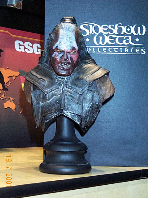 Lurtz Bust from Sideshow Toy at Comic-Con 2001 - 480x640, 100kB