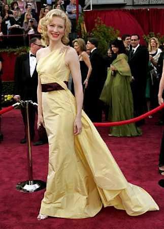 Oscars 2005 - 323x450, 24kB